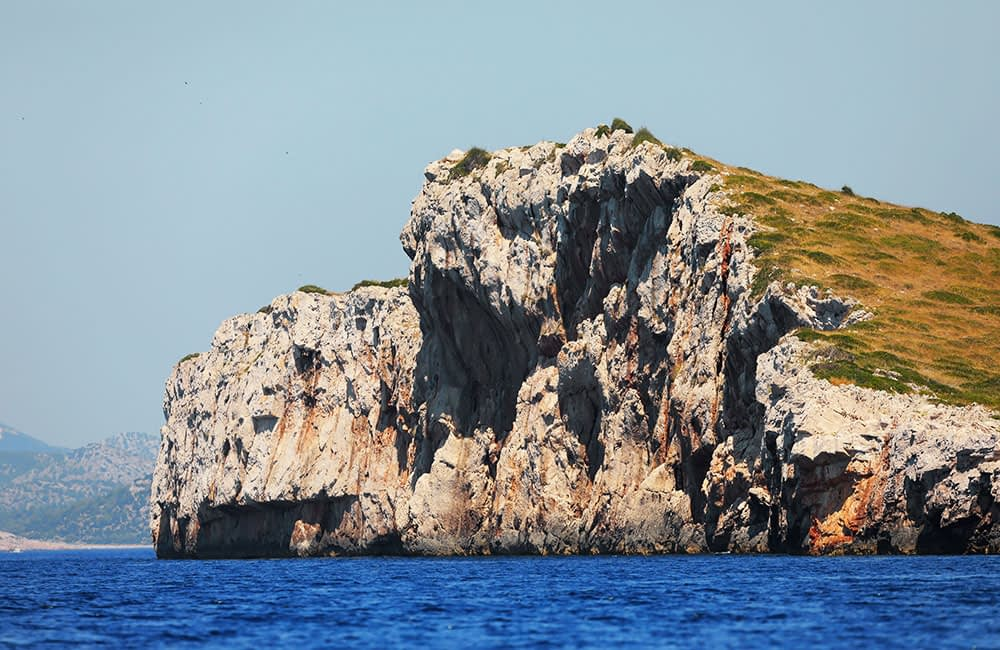 Archipelago Tours Blog and Tips: Carved by the elements - photo of one of the cliffs in Kornati archipelago