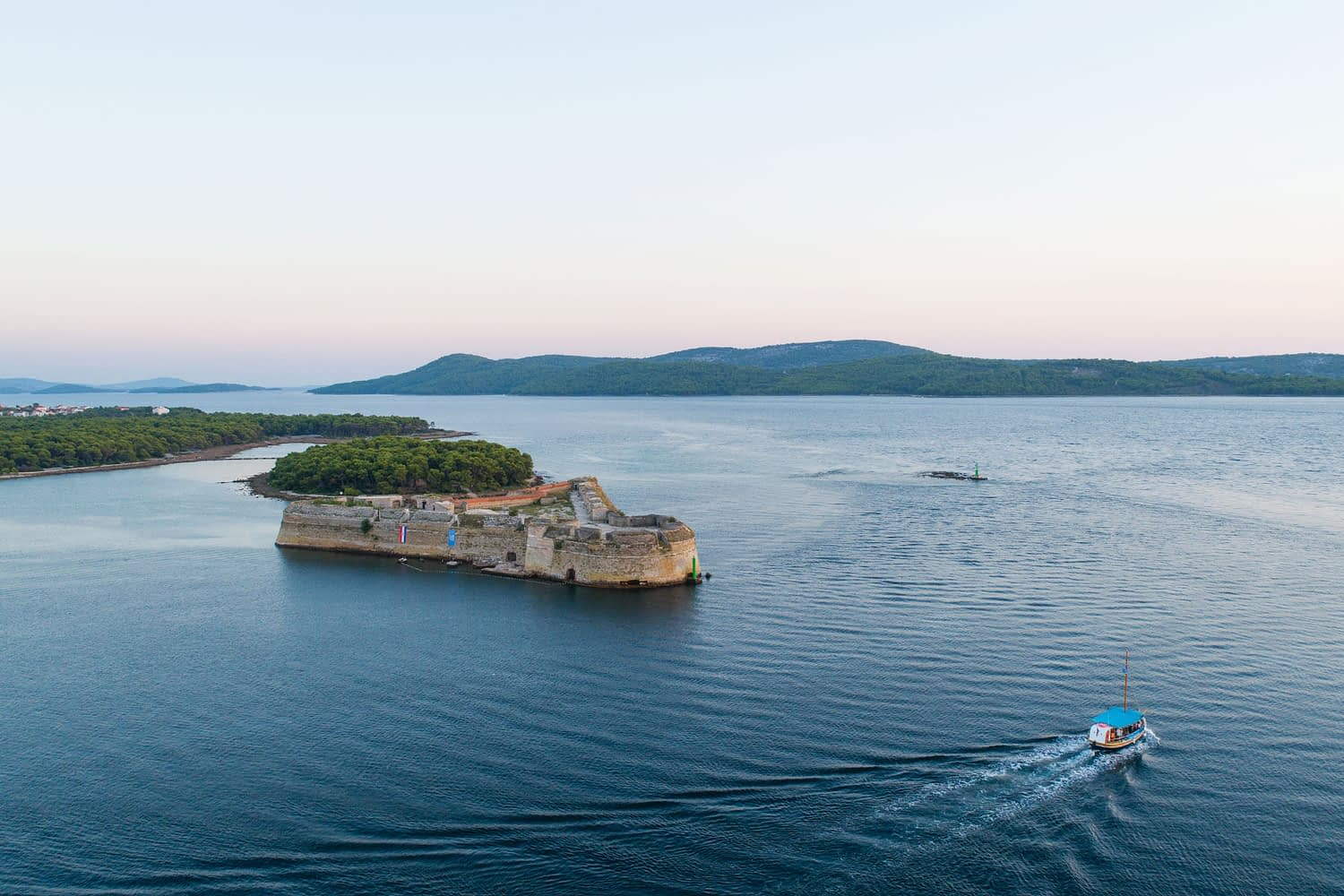 Archipelago Tours Large Groups Big Boat Tour - Custom Made - Photo of the boat and St Nicholas fortress taken from the air
